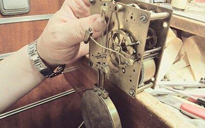 Reparación de relojes antiguos